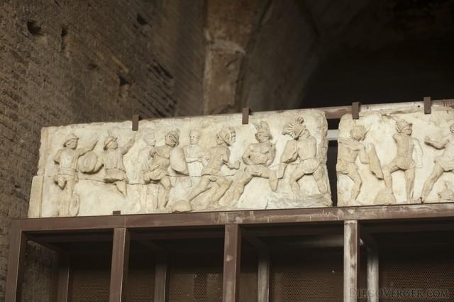 Relieve de gladiadores del Coliseo