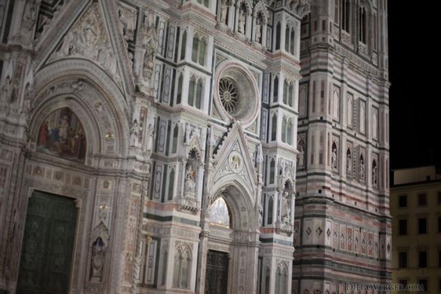 Dettaglio della facciata del Duomo di Firenze - Firenze, Italia