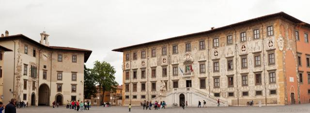 Panorama de la Place des Chevaliers - Piazza dei Cavalieri - Pise, Italie