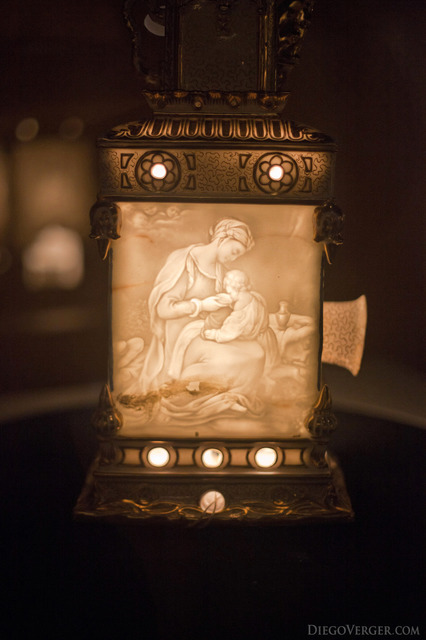 Lithophane in a magic lantern - Girona, Spain