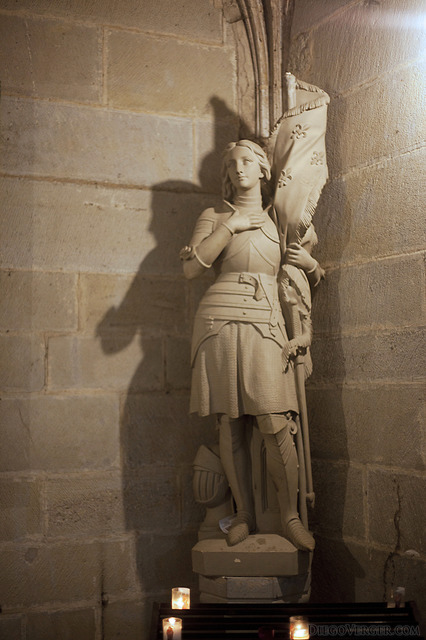 Statue of Joan of Arc in the Saint Nazaire basilica - Carcassonne, France