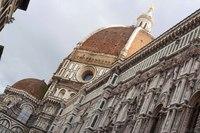 Cupola del Brunelleschi, lanterna e facciata nord del duomo - Firenze, Italia