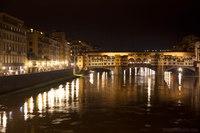 Ponte Vecchio di notte - Firenze, Italia
