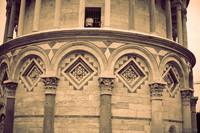 Dettaglio dell'arcata cieca della Torre di Pisa - Pisa, Italia