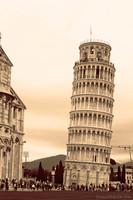 La Torre di Pisa ad infrarossi - Pisa, Italia