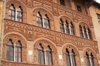 Détail de la façade du Palazzo Agostini - Pise, Italie