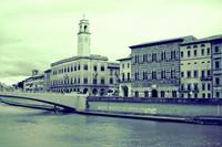 Palazzo Pretorio ed edifici lungo la riva sud dell'Arno - Pisa, Italia