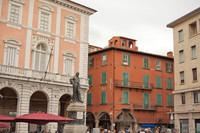 Statue de Giuseppe Garibaldi sur la Piazza Garibaldi de Pise - Pise, Italie