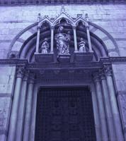 Dettaglio della facciata della chiesa cattolica di San Michele in Borgo - Pisa, Italia