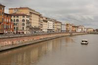 L'Arno en traversant Pise - Pise, Italie