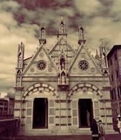 Facciata della chiesa di Santa Maria della Spina ad infrarossi - Pisa, Italia