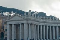 Colonnade sud à la place Saint-Pierre du Vatican - Cité du Vatican, Saint-Siège