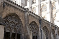 Exterior view of the arcades of the Westminster Abbey cloister - London, England