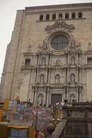 Fachada de la Catedral de Girona durante el festival de flores - Girona, España