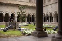 El patio y claustros de la Catedral de Girona en Temps de Flors 2016 - Girona, España